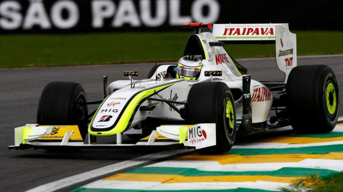 2009-185444-jenson-button-gbr-brawn-gp-brazilian-grand-prix-friday-practice-sao-paulo-br1